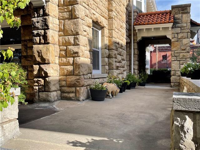 335 Gladstone Boulevard Property Photo