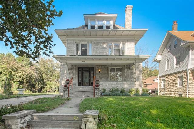 2640 E 28th Street Property Photo