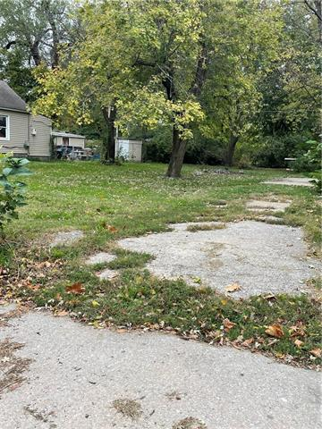 N Montgall Avenue Property Photo