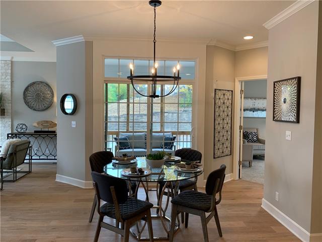 718 E 110th Terrace Property Photo