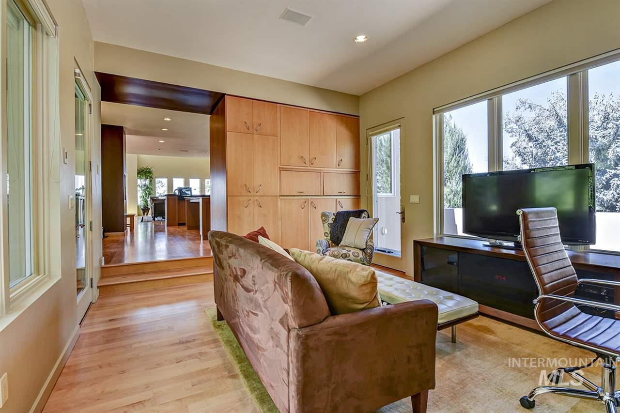 2420 E Warm Springs Avenue Property Photo 9
