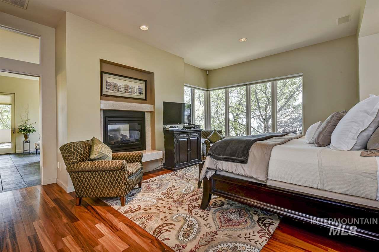 2420 E Warm Springs Avenue Property Photo 11
