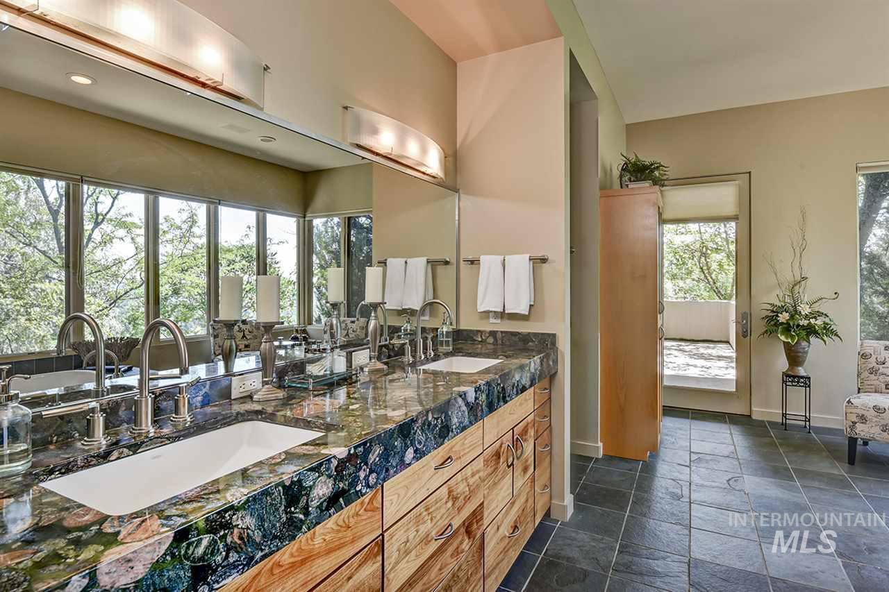 2420 E Warm Springs Avenue Property Photo 12