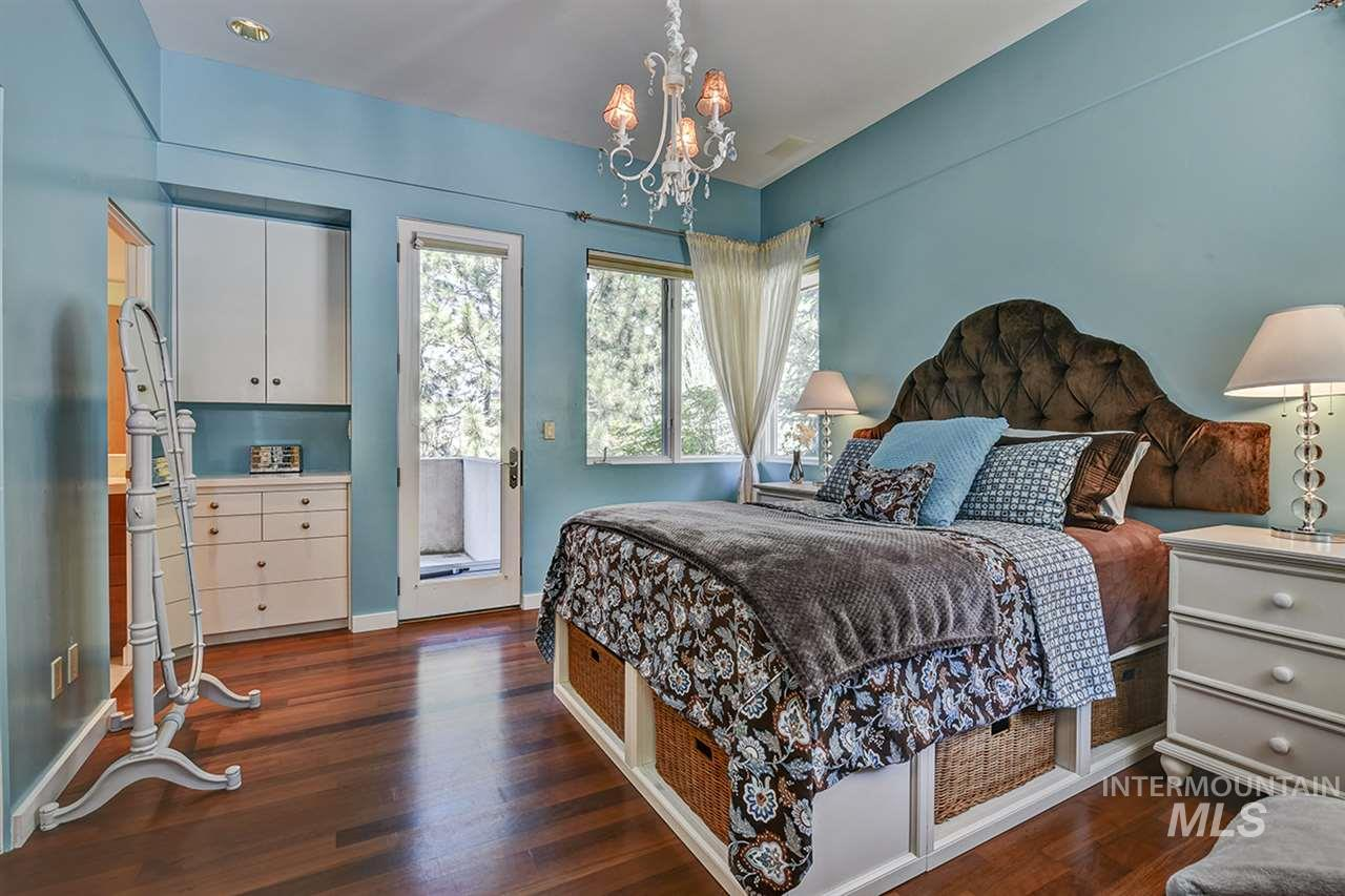2420 E Warm Springs Avenue Property Photo 13