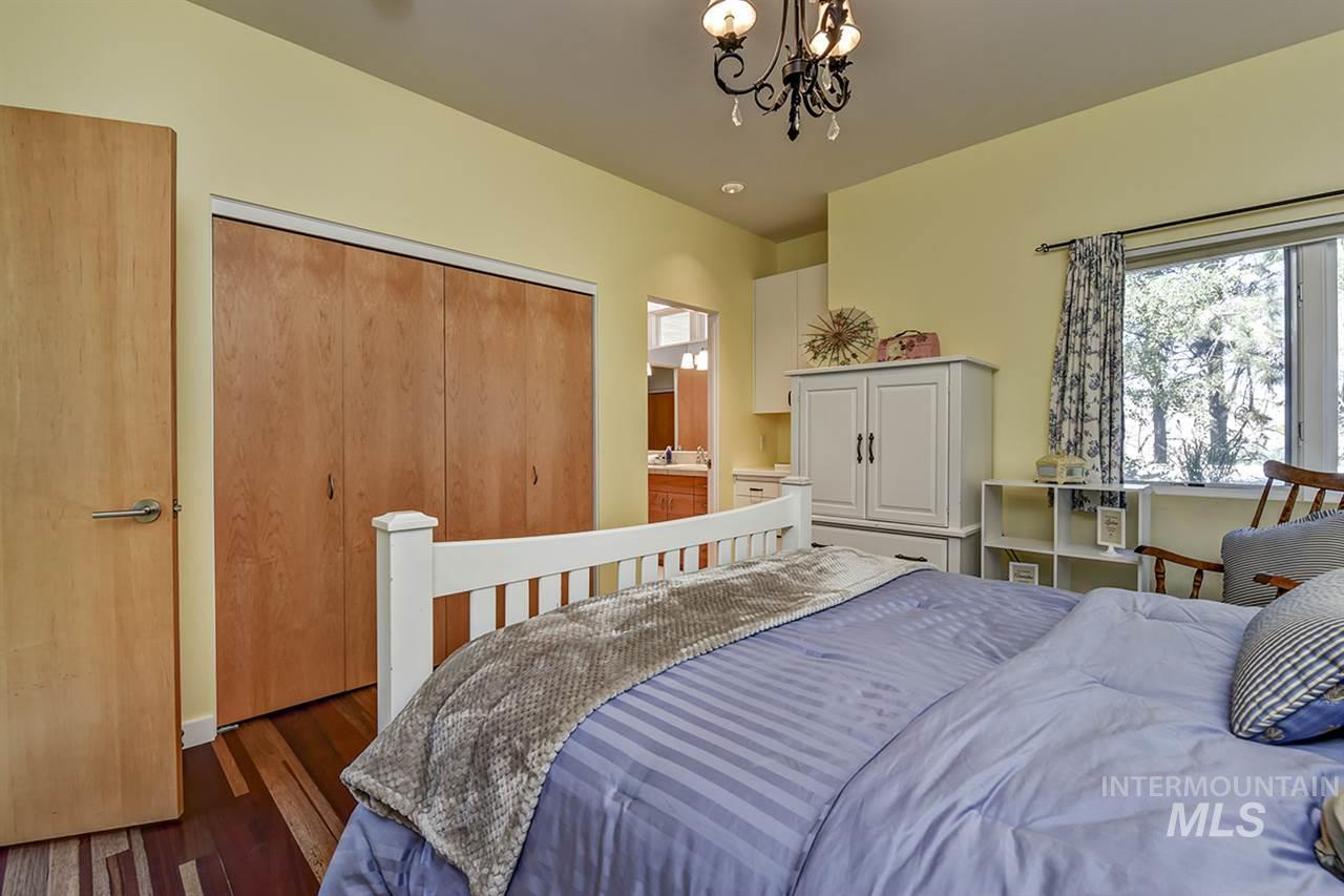 2420 E Warm Springs Avenue Property Photo 16