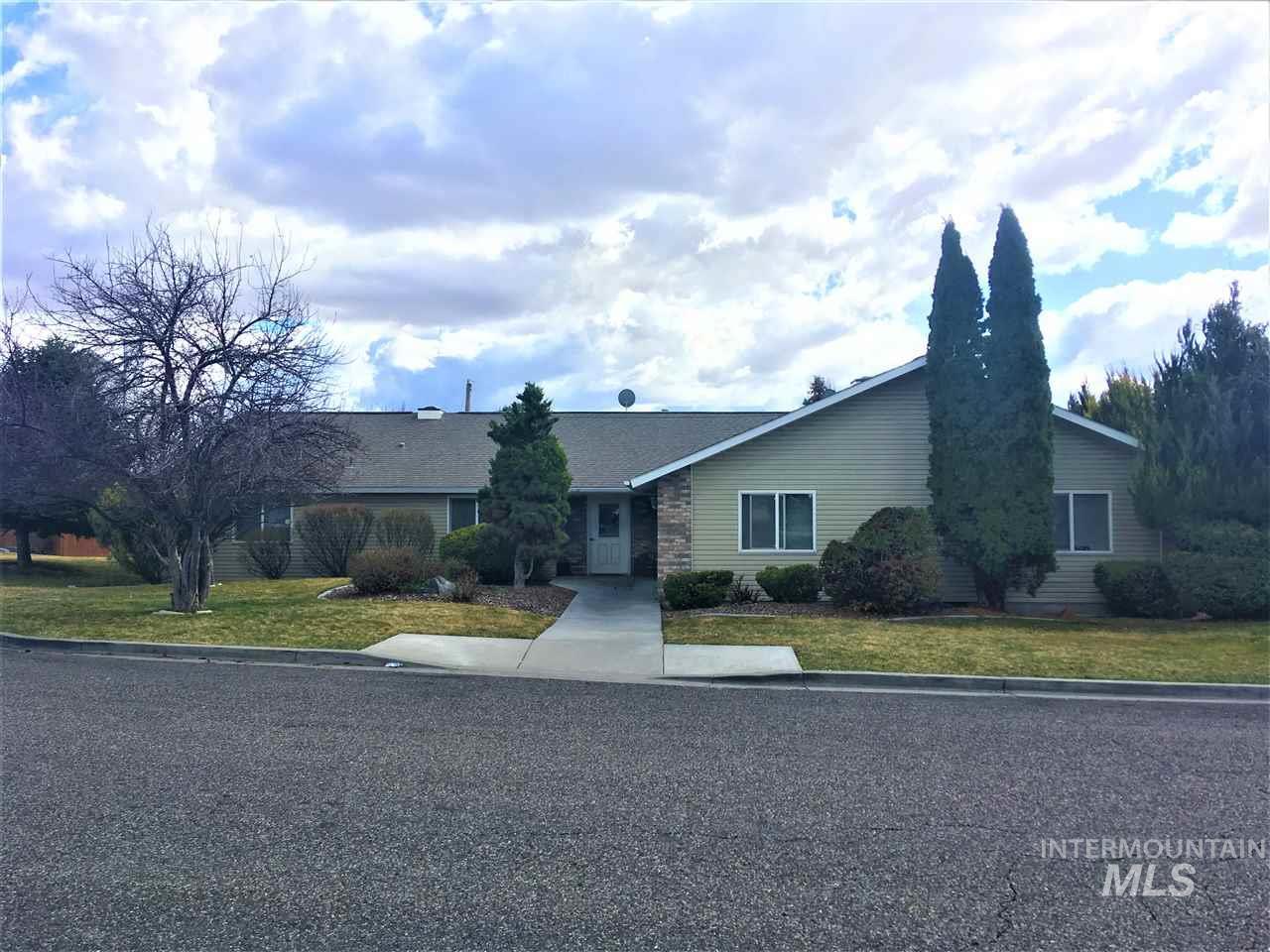 983 Gallup Drive Property Photo 1