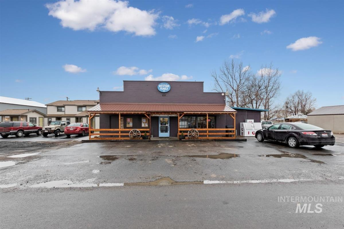 339 Main Street Property Photo