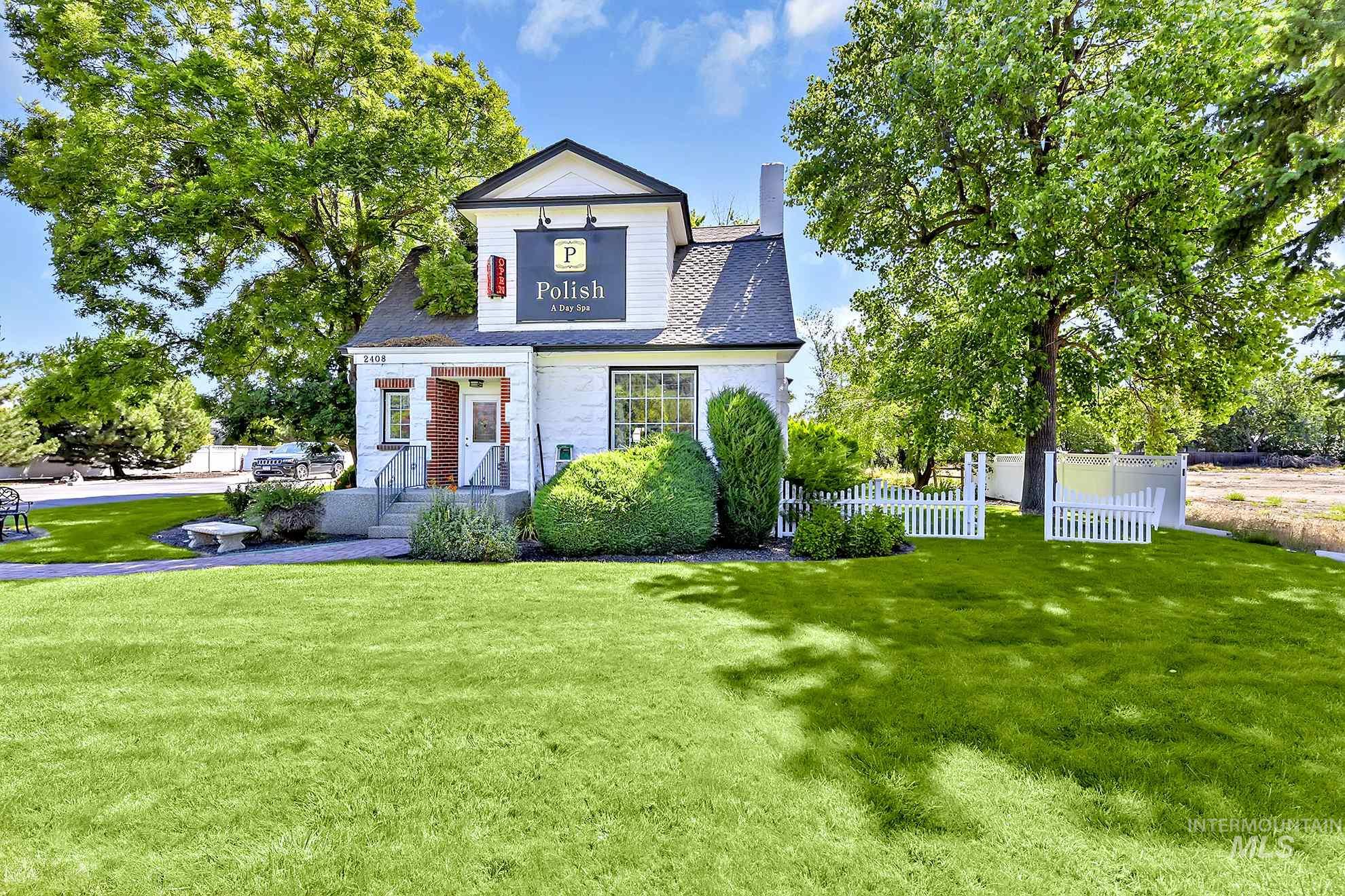 2408 S Broadway Avenue Property Photo