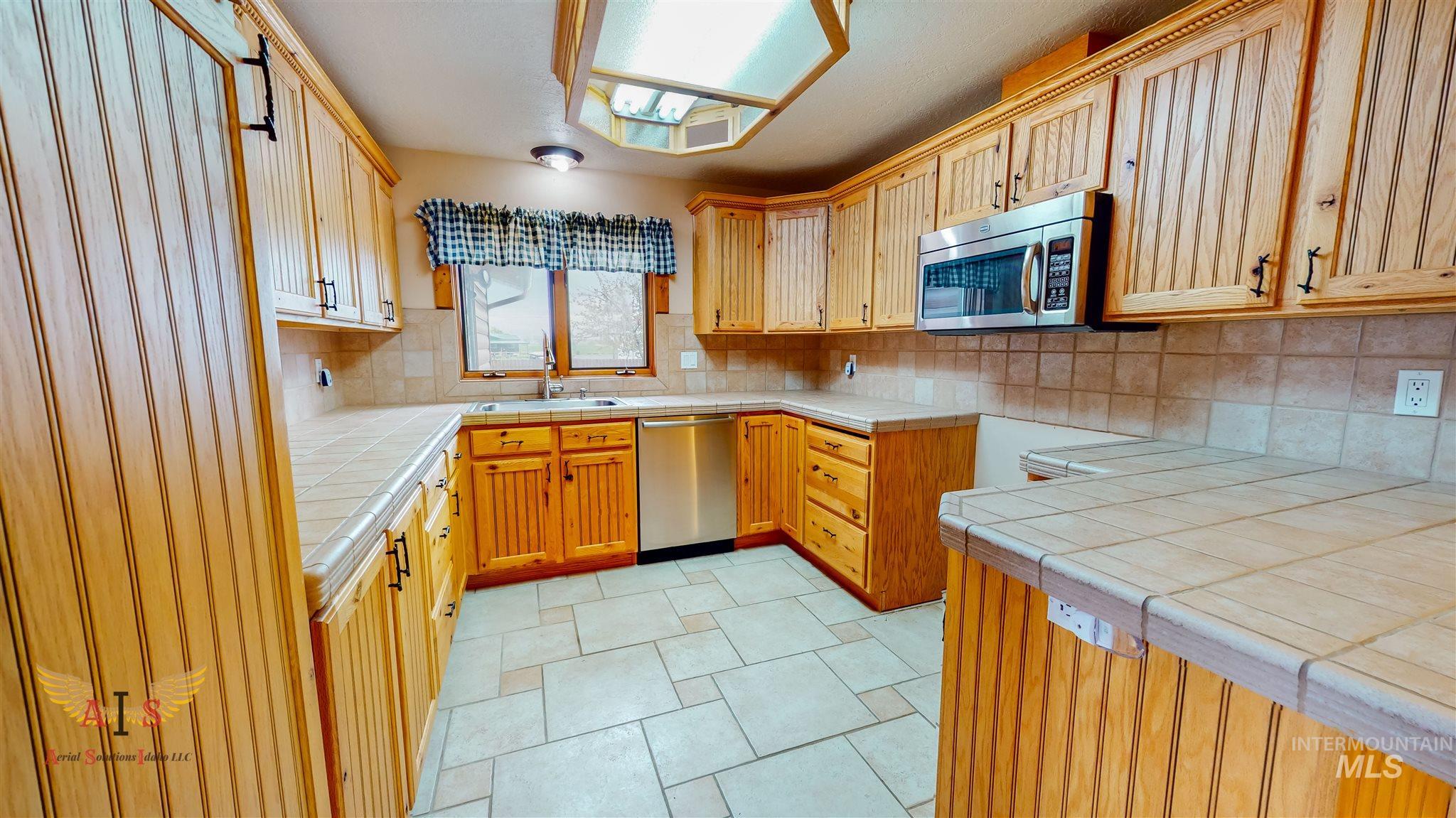 352 S 500 W Property Photo 8