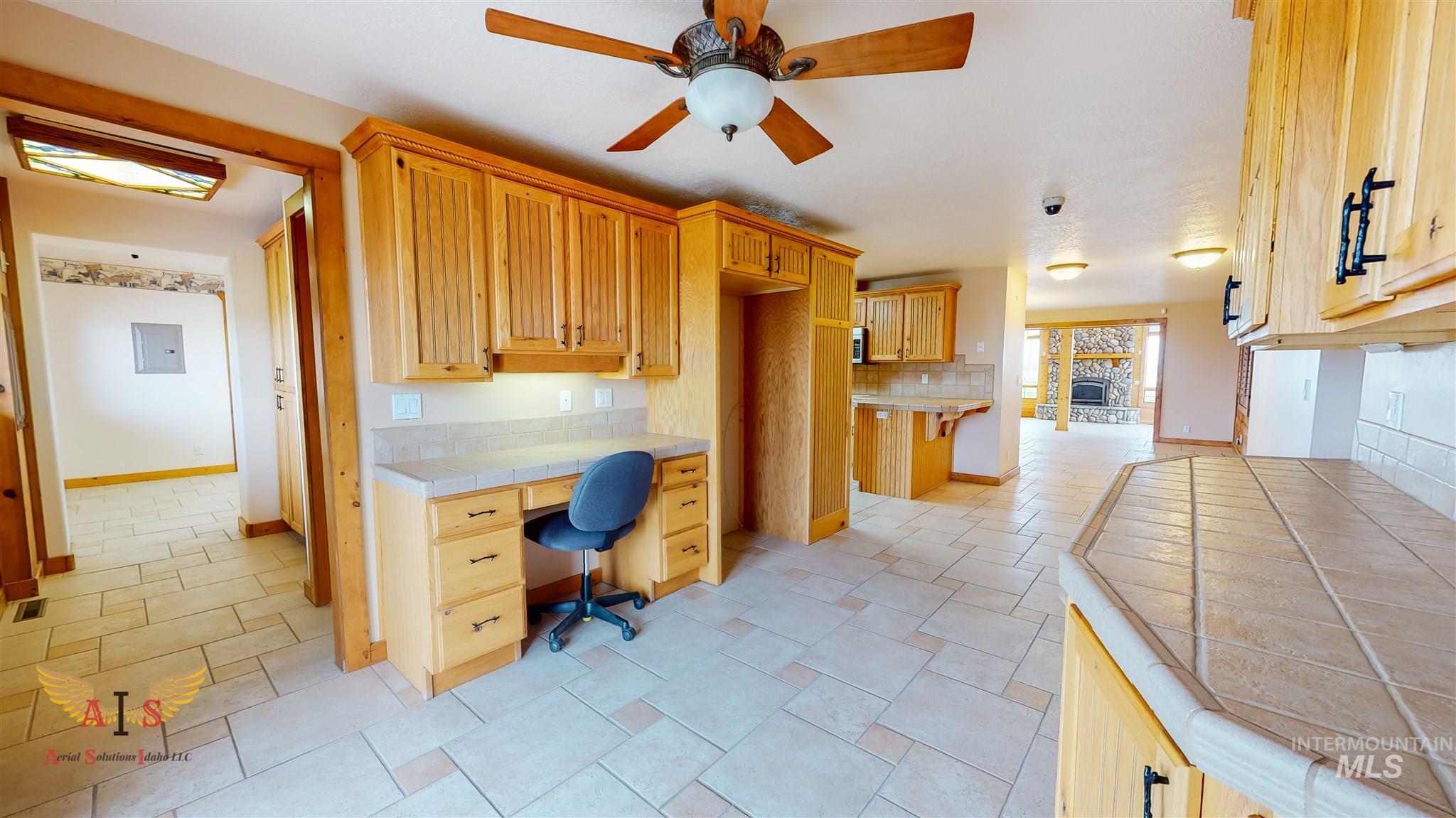 352 S 500 W Property Photo 9
