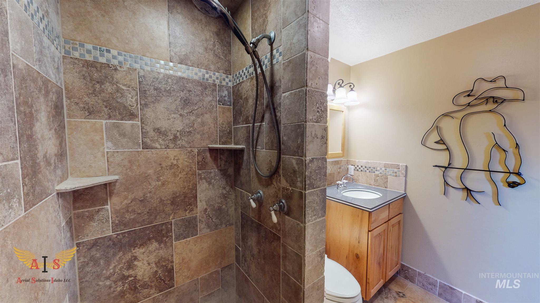 352 S 500 W Property Photo 11
