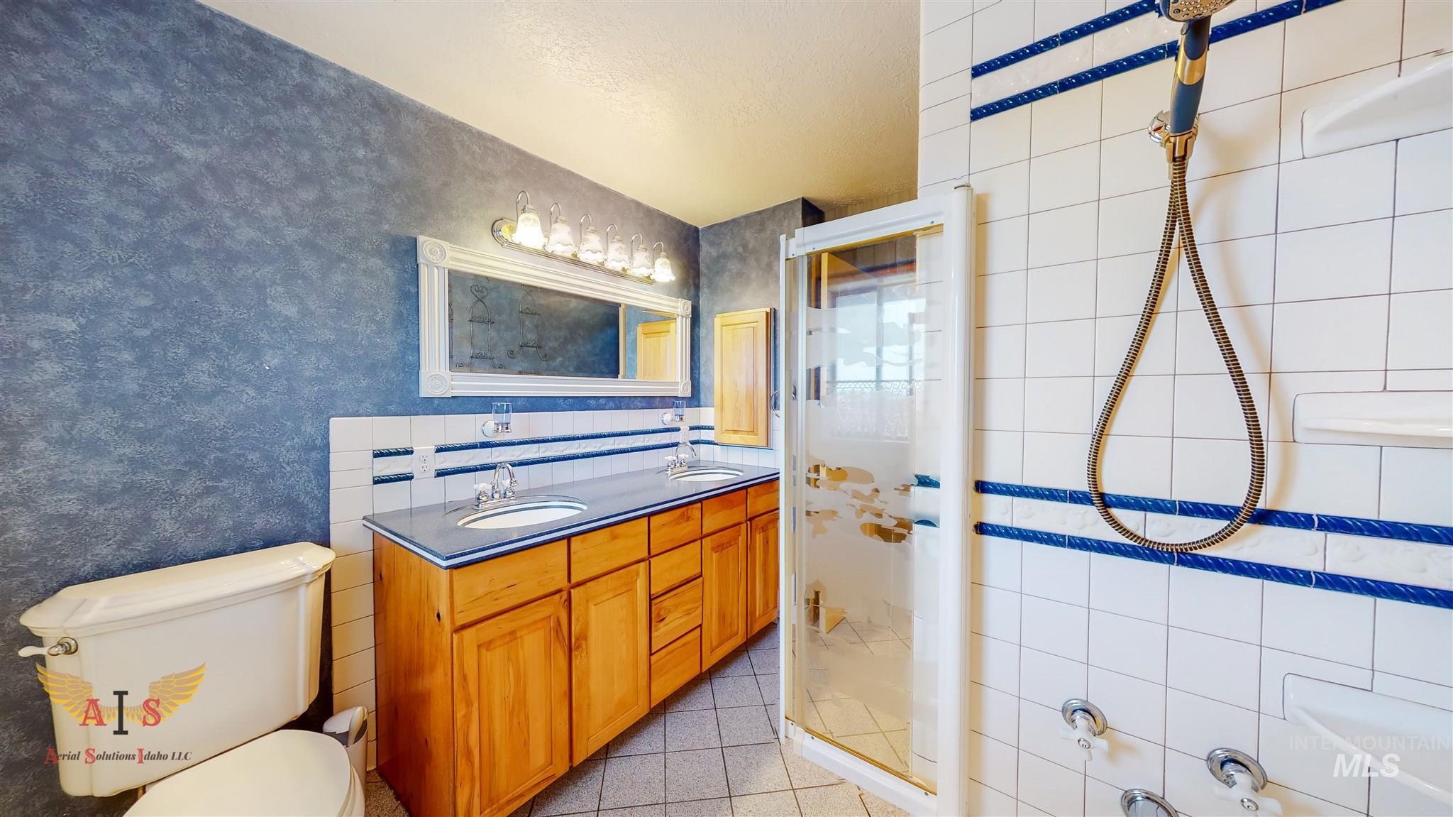 352 S 500 W Property Photo 14