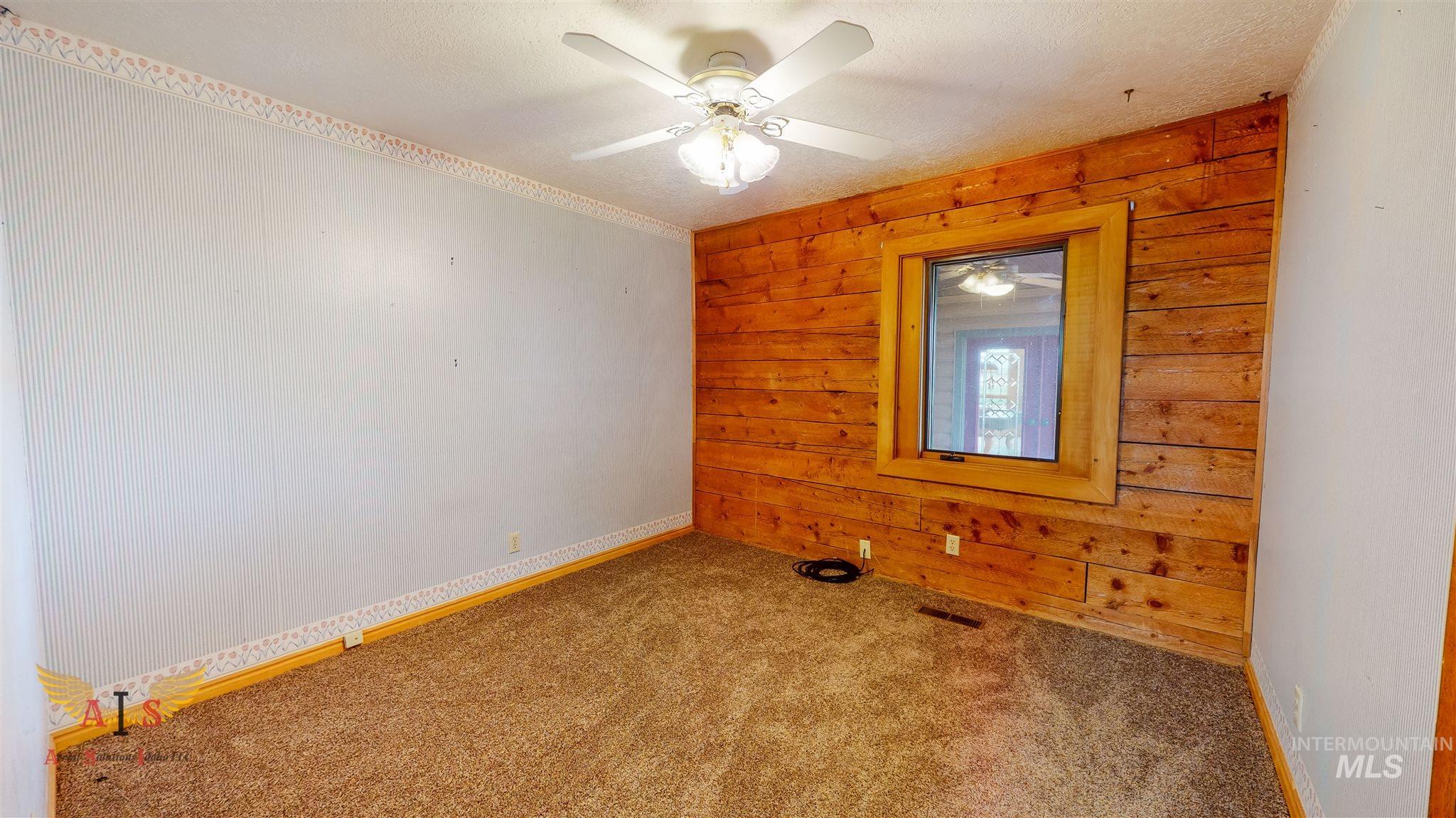 352 S 500 W Property Photo 15