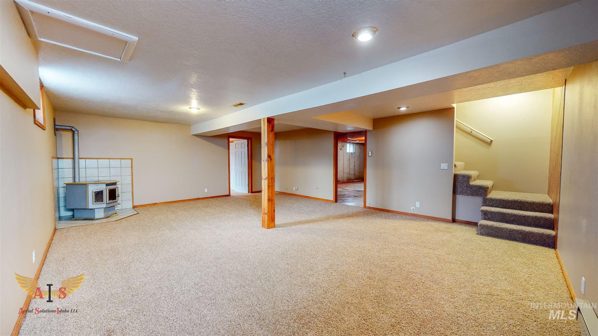 352 S 500 W Property Photo 16