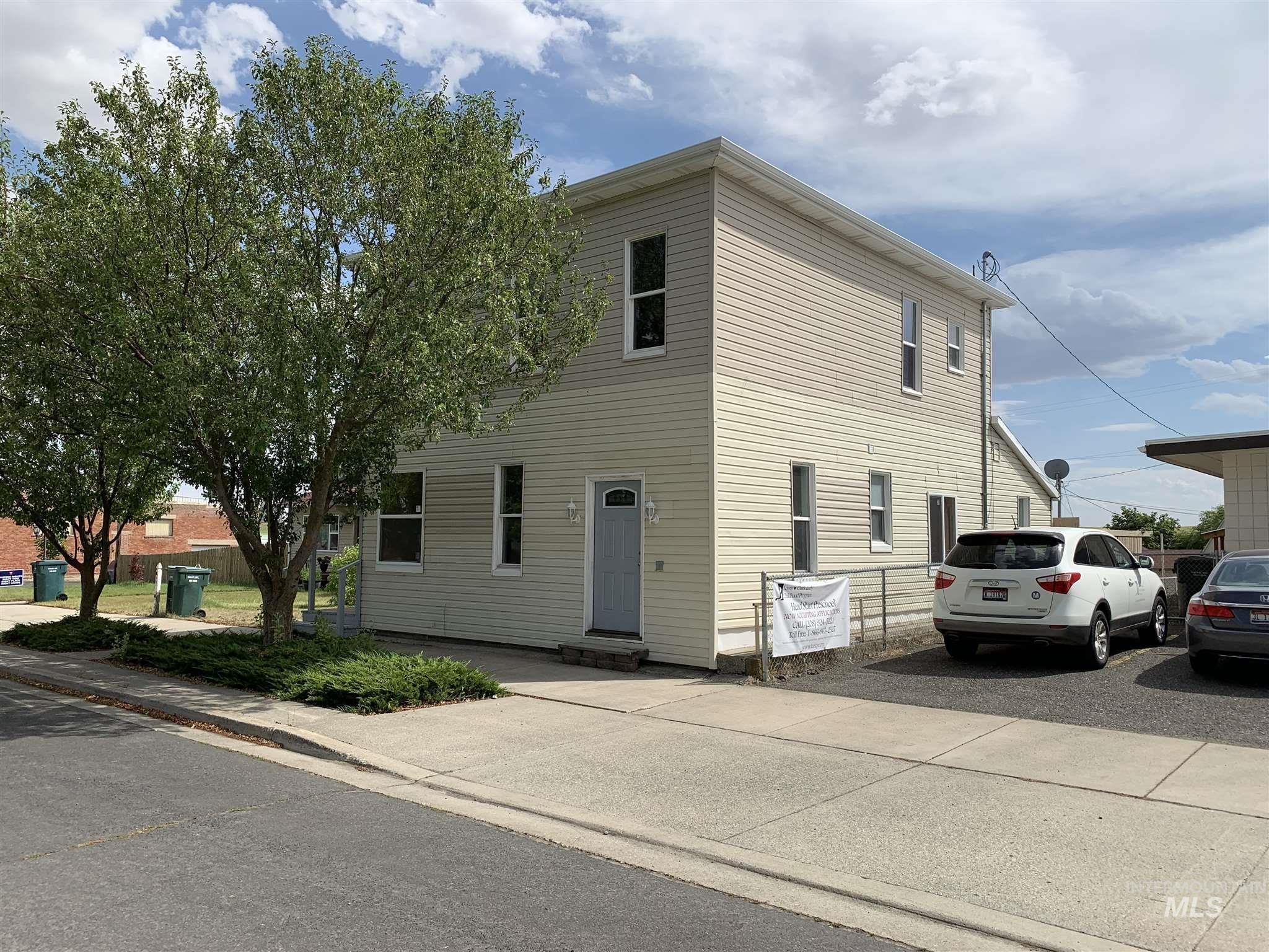 207 W Main Property Photo