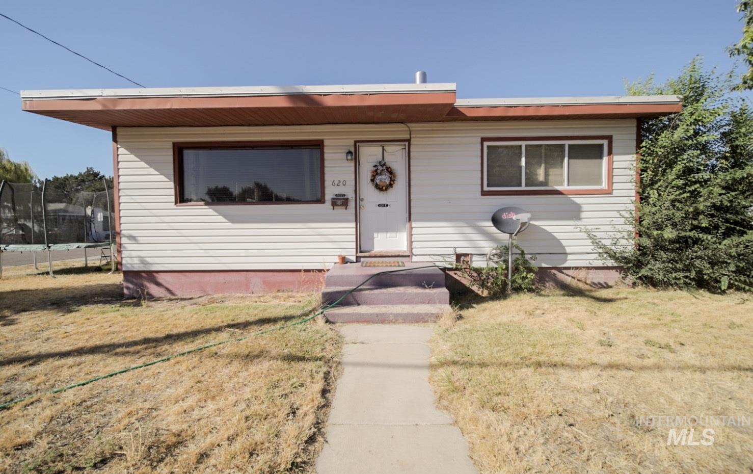 620 Cedar Property Photo
