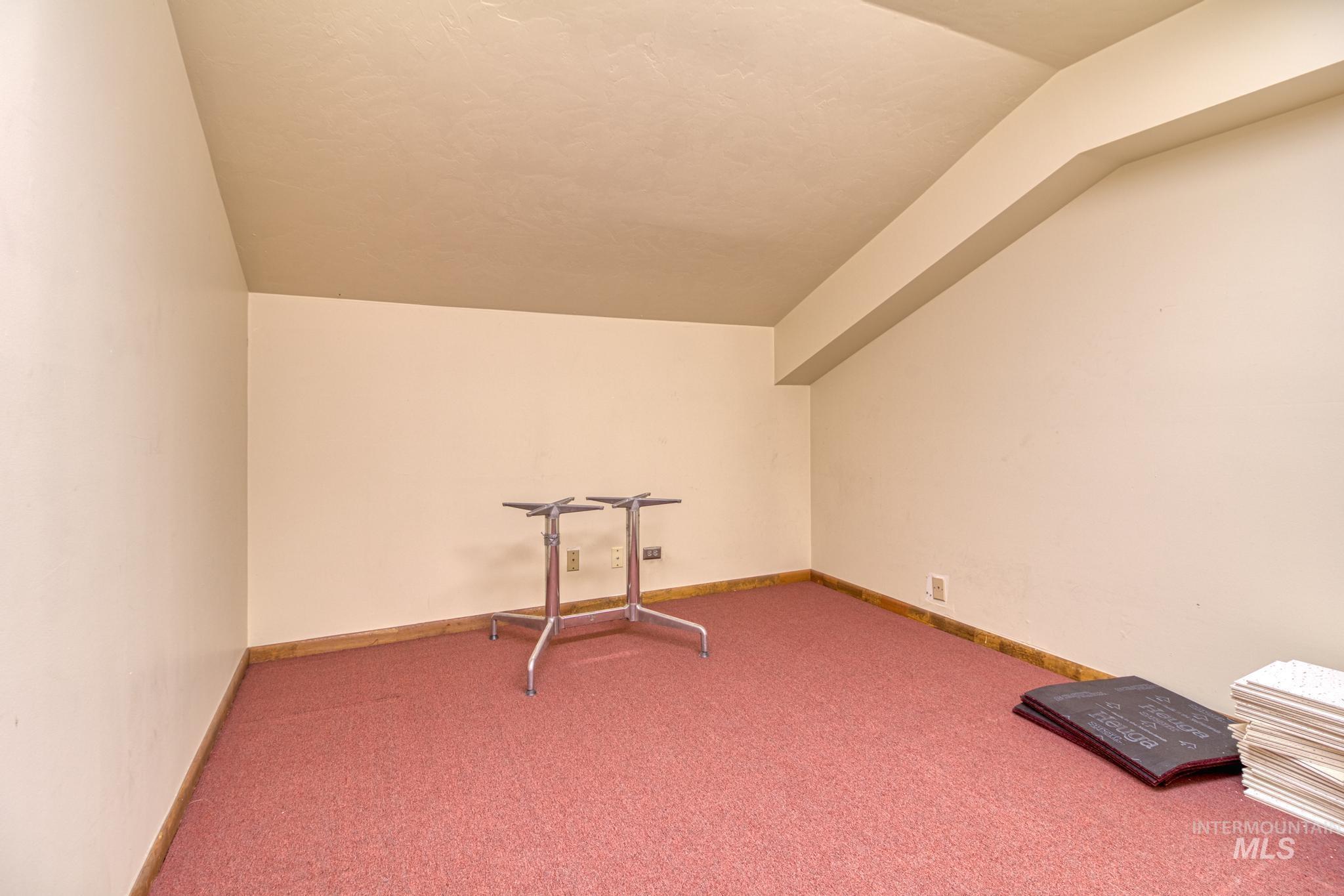 129 Eastland Drive Property Photo 20