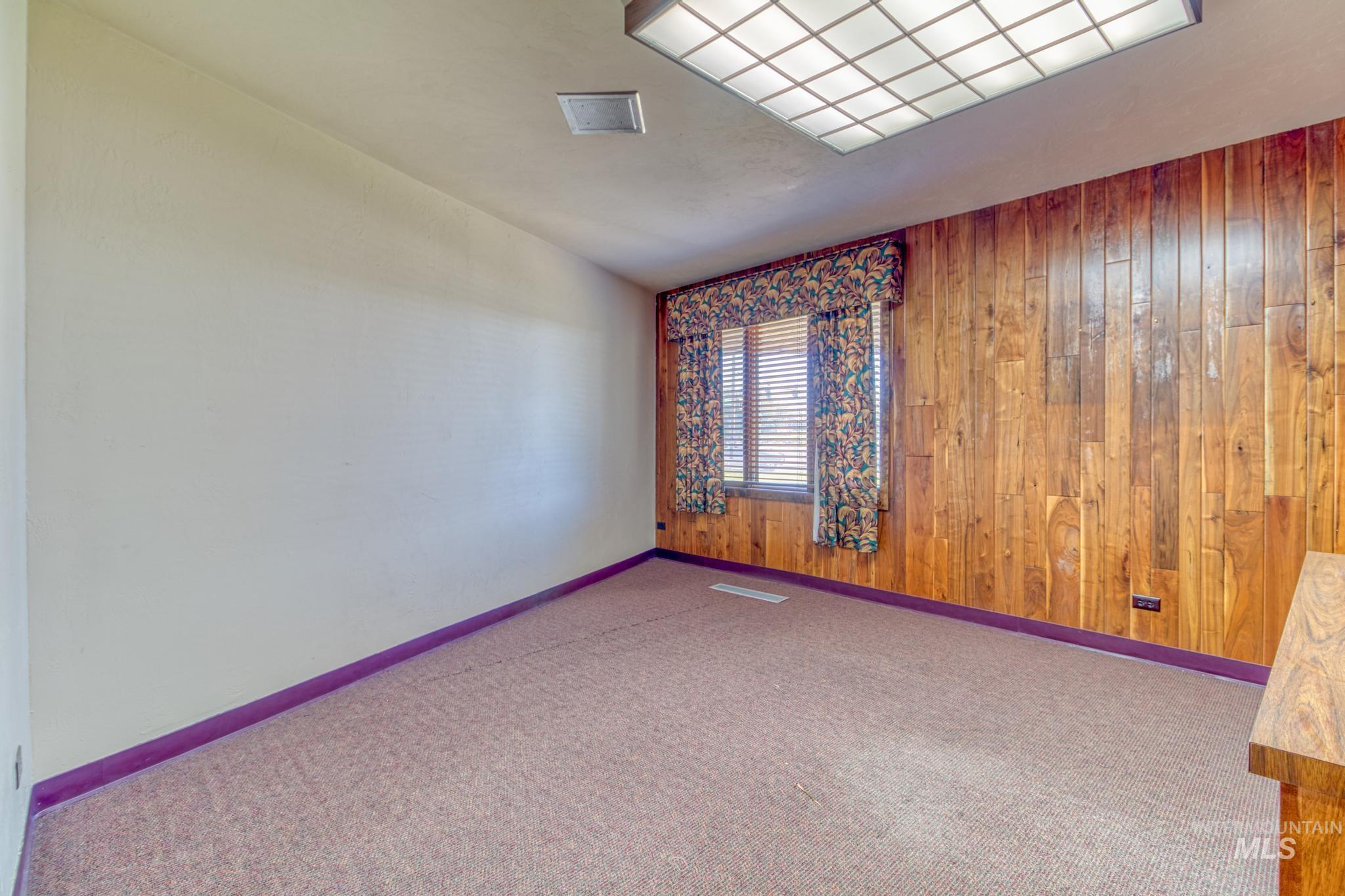 129 Eastland Drive Property Photo 25