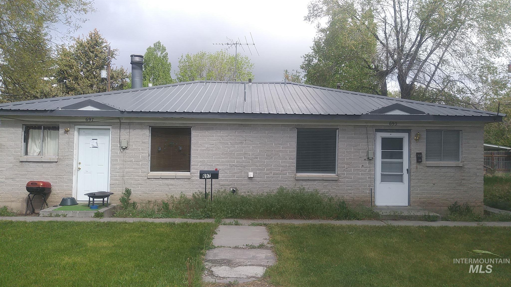 697 S Stout Property Photo
