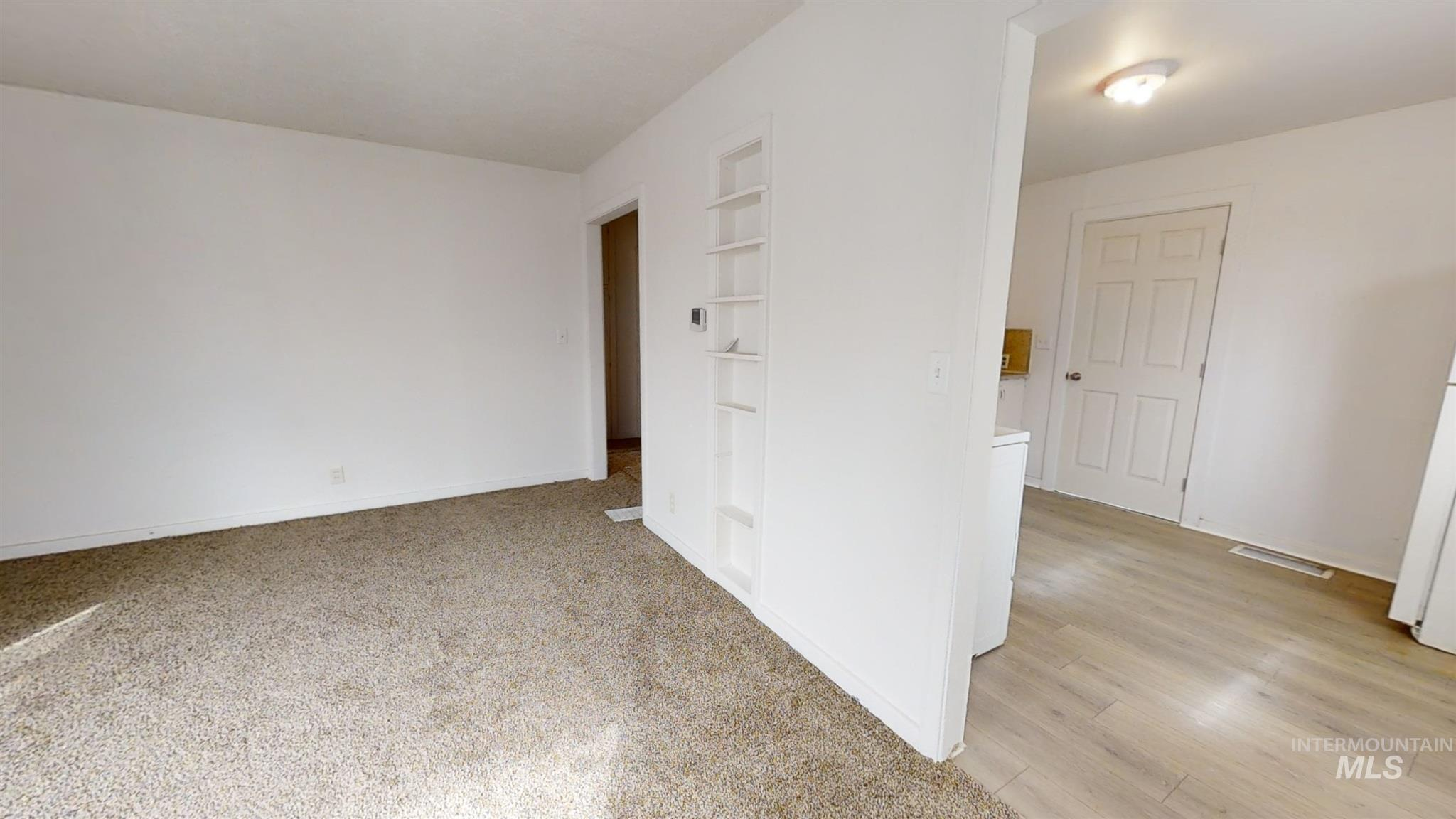 697 S Stout Property Photo 17
