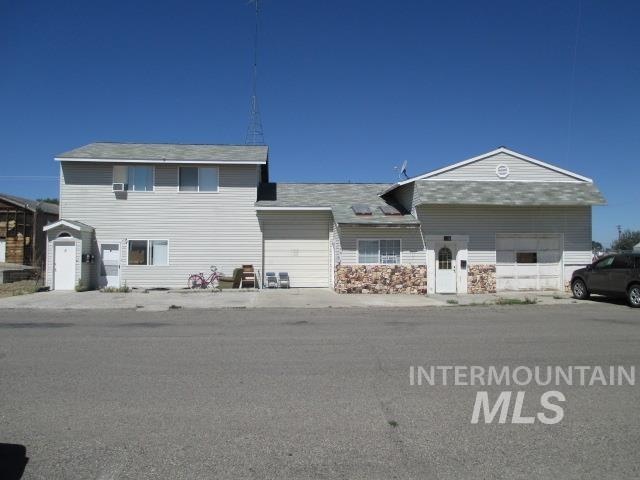 215 & 217 Idaho Street Property Photo - Gooding, ID real estate listing