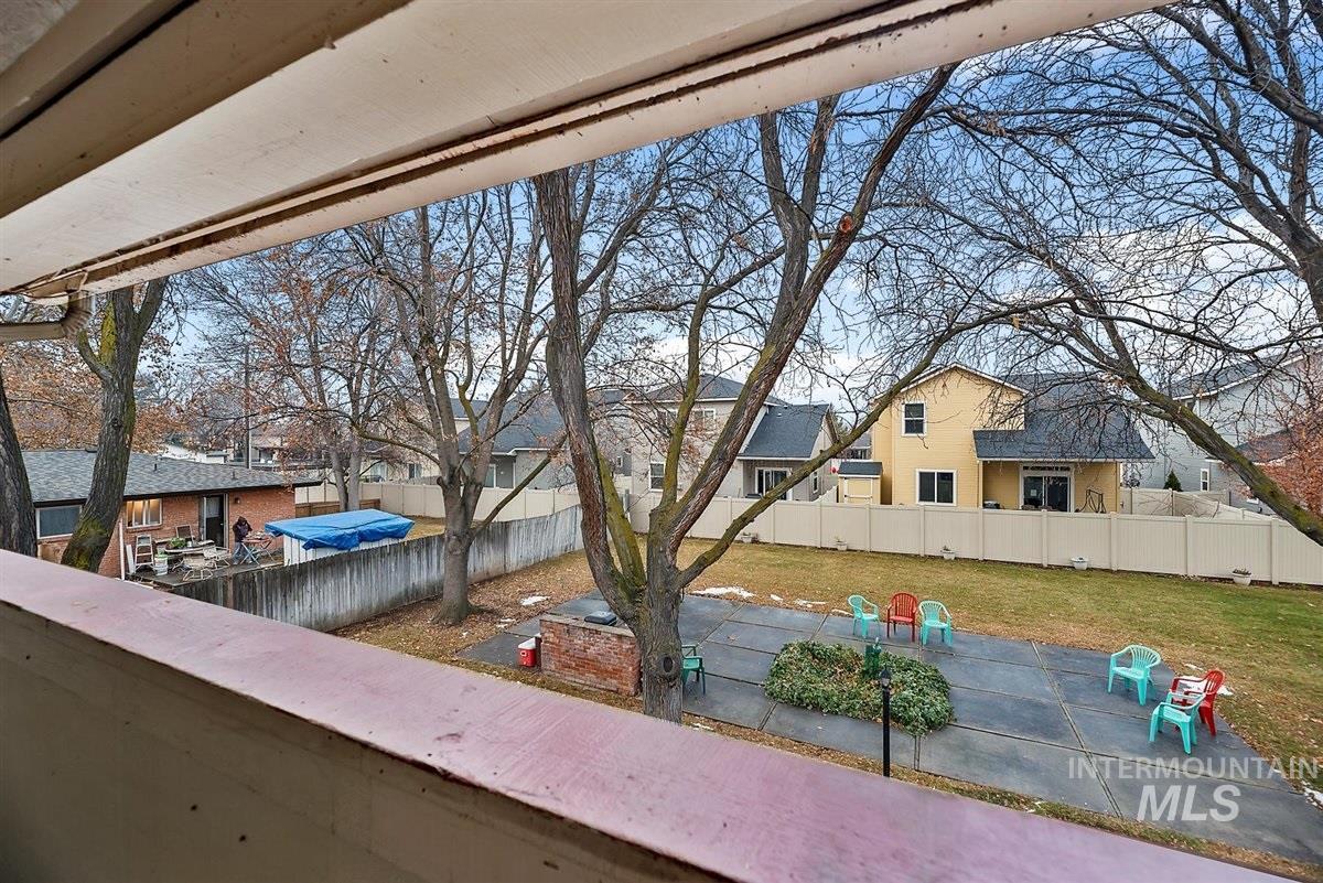 Allumbaugh Cond Real Estate Listings Main Image