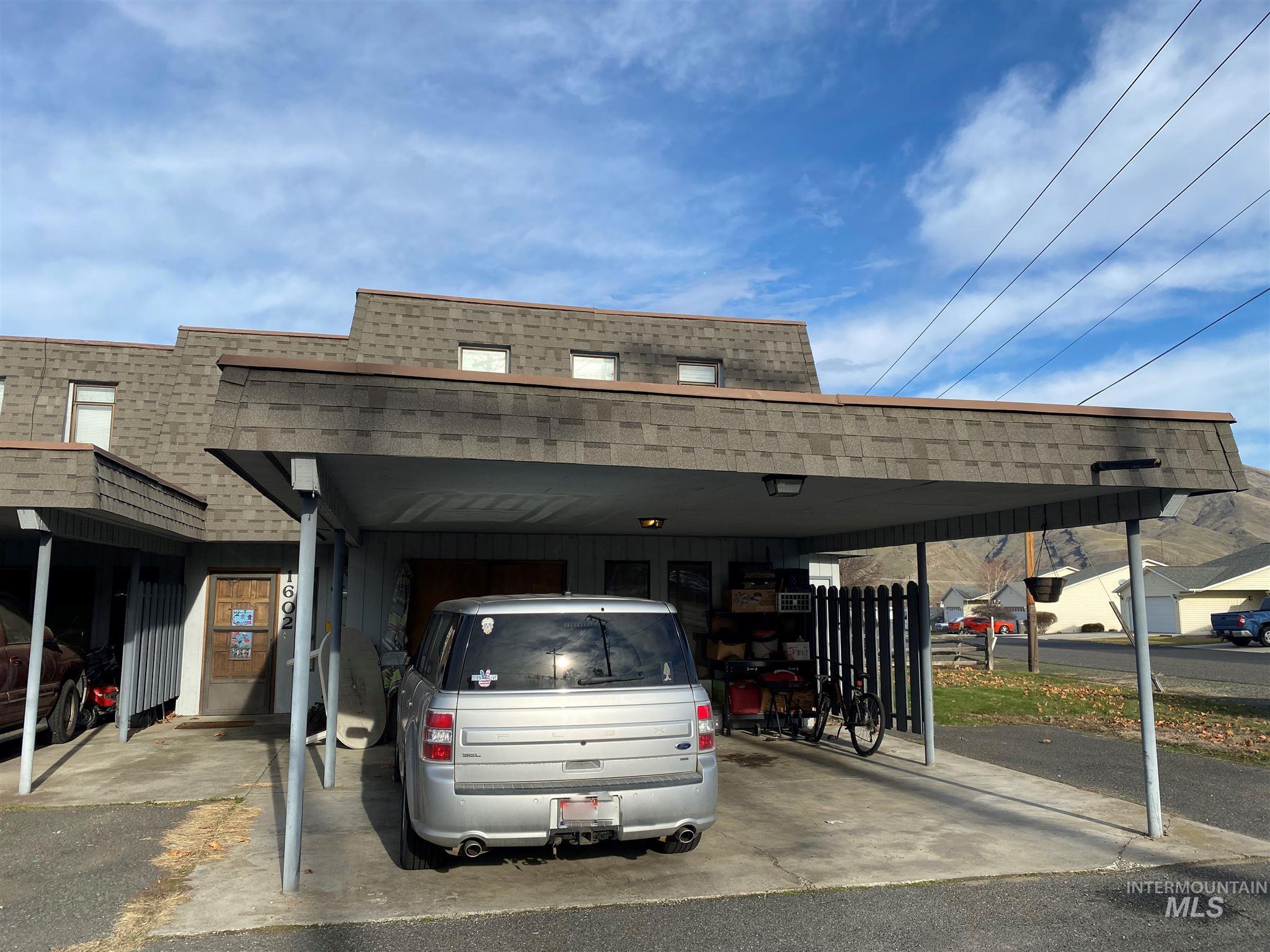 1602 Elm St Property Photo - Clarkston, WA real estate listing