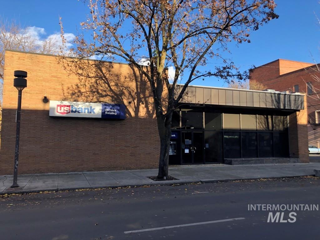 835 Main Street Property Photo