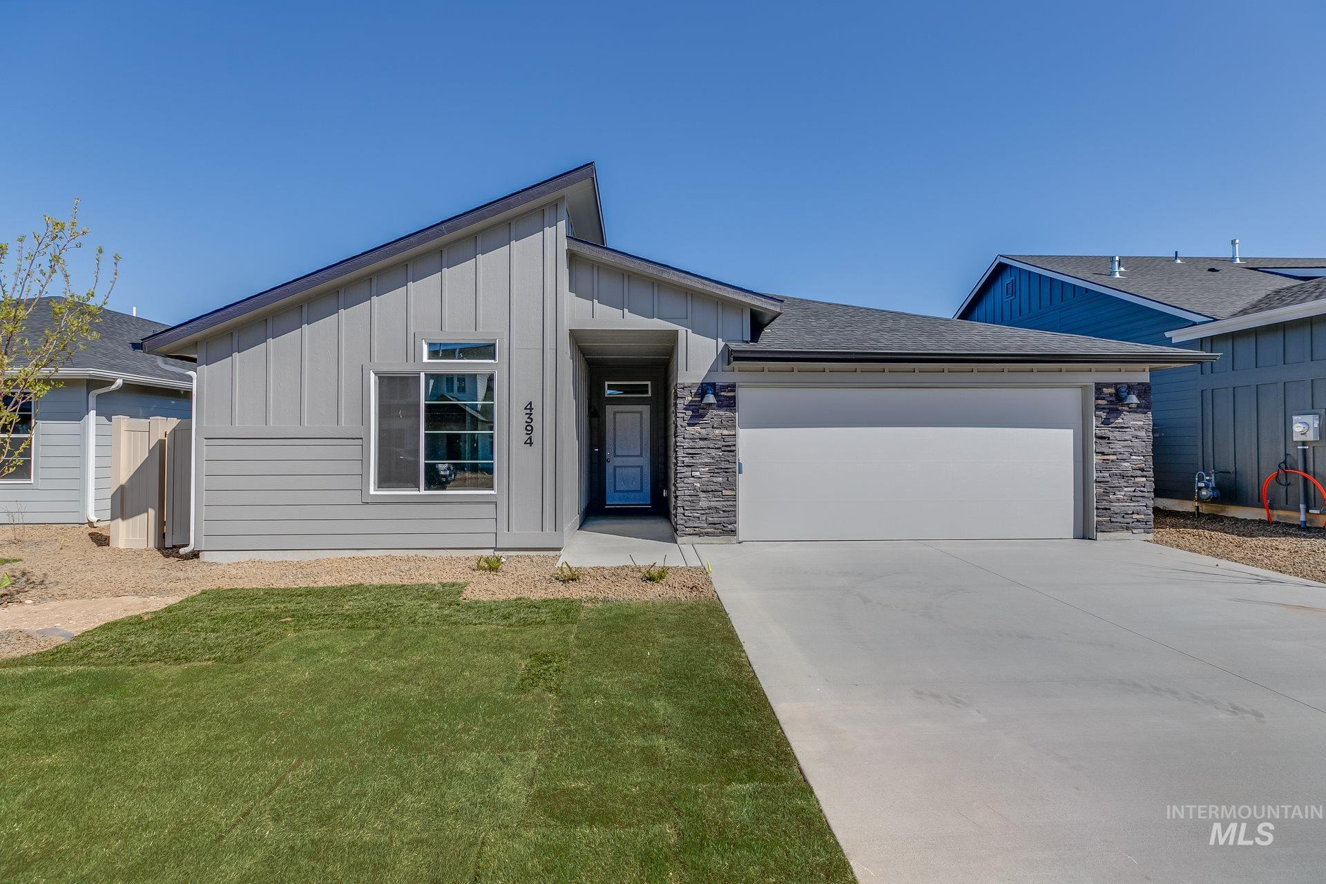 4394 W Sunny Cove St Property Photo - Meridian, ID real estate listing