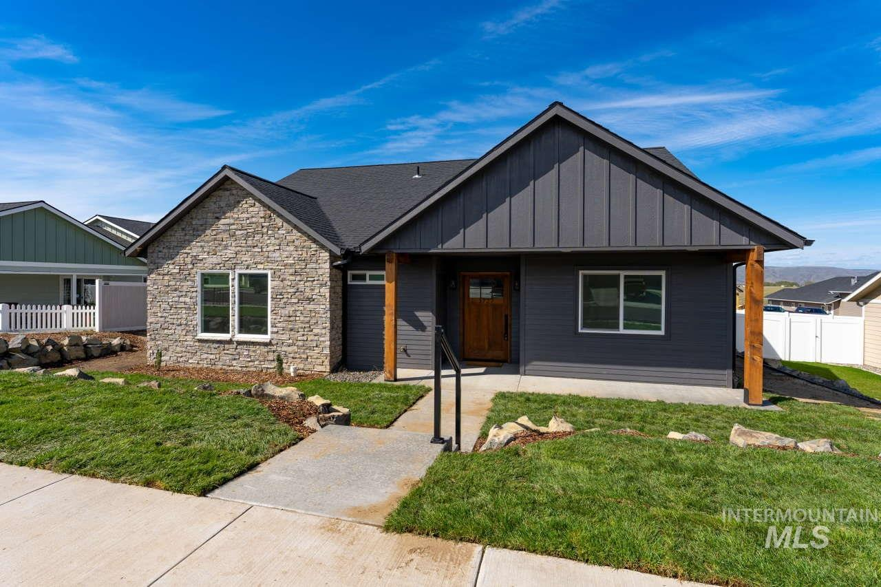 1727 Pioneer Drive Property Photo - Lewiston, ID real estate listing