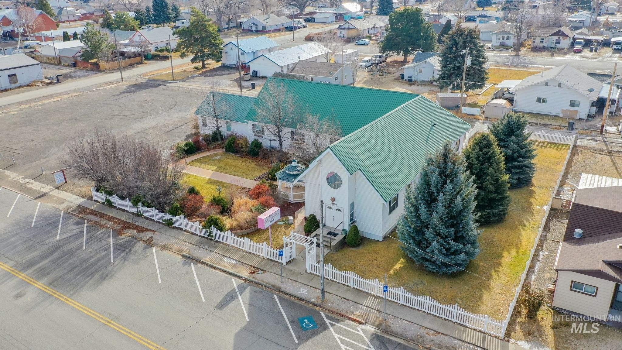 523 Main Property Photo