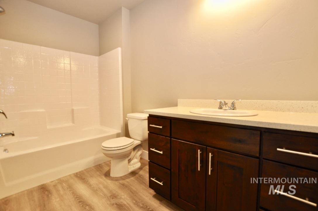 759 Almo Ave Property Photo 11