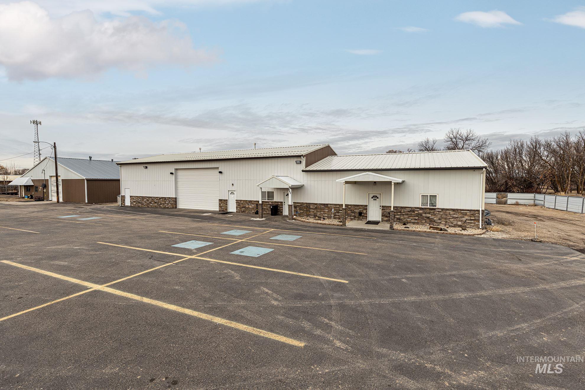 118 W Idaho Property Photo