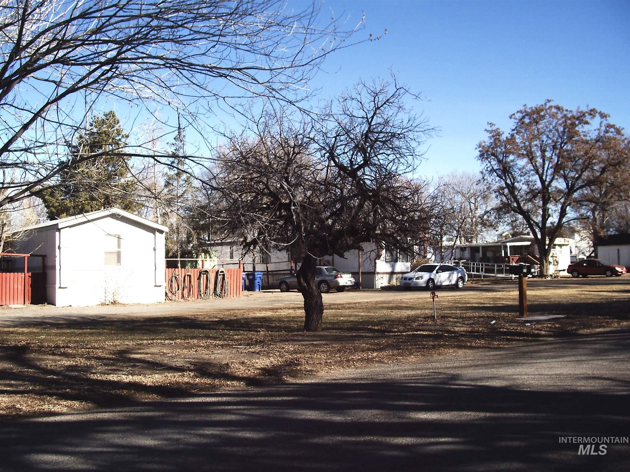 512 W D Avenue Property Photo