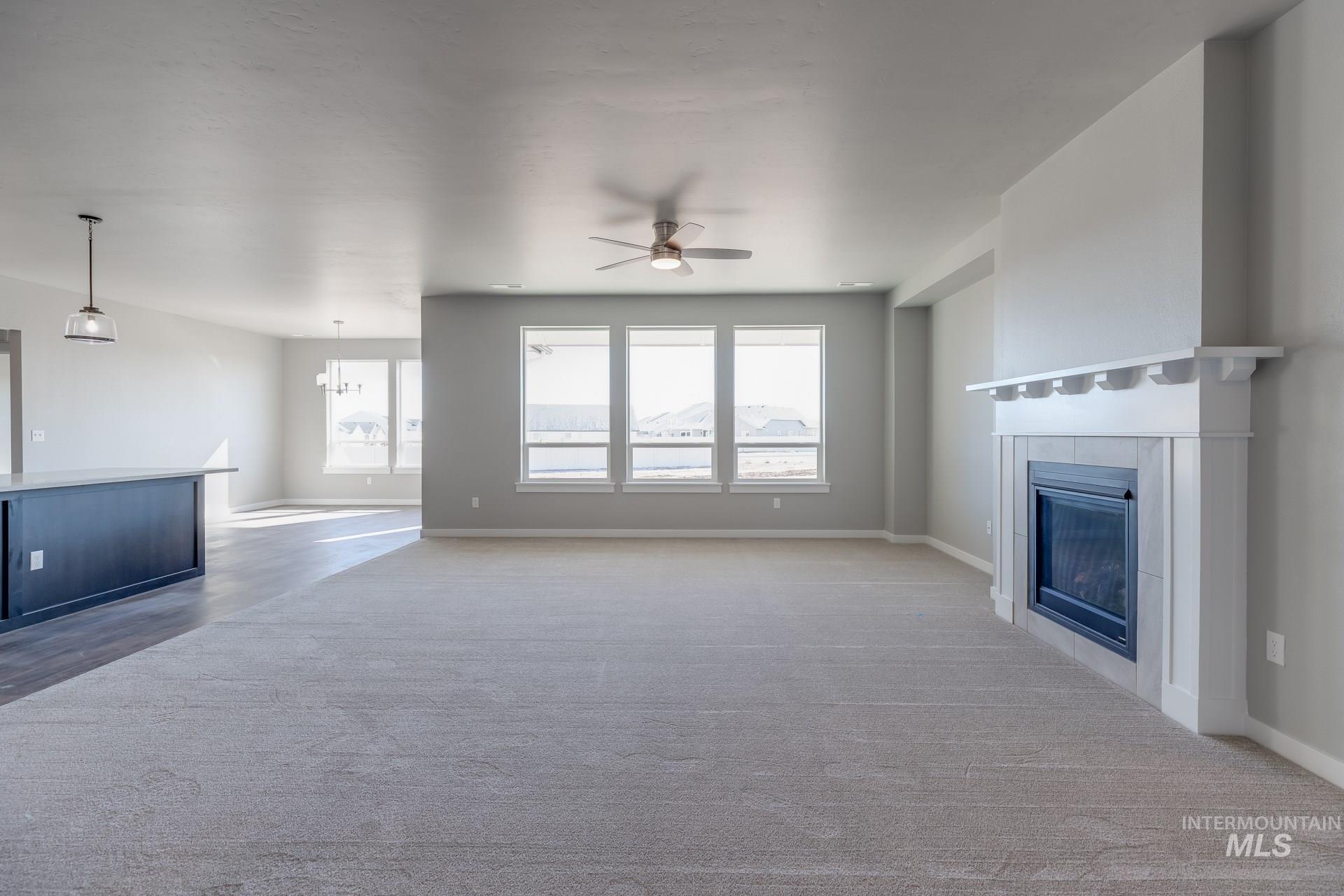 874 W Smallwood Ct Property Photo 3