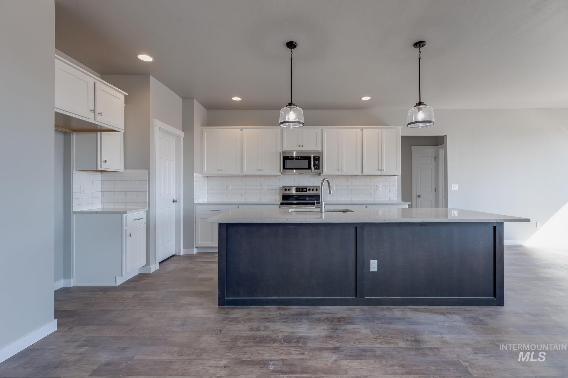 874 W Smallwood Ct Property Photo 11