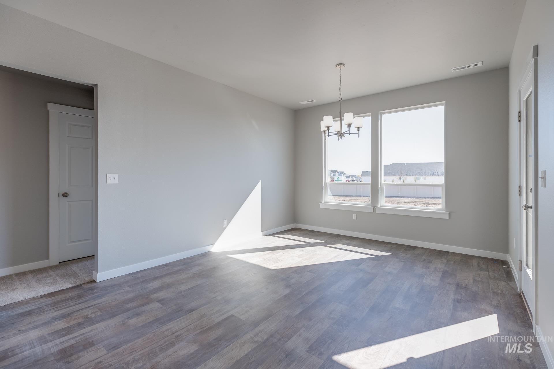 874 W Smallwood Ct Property Photo 13