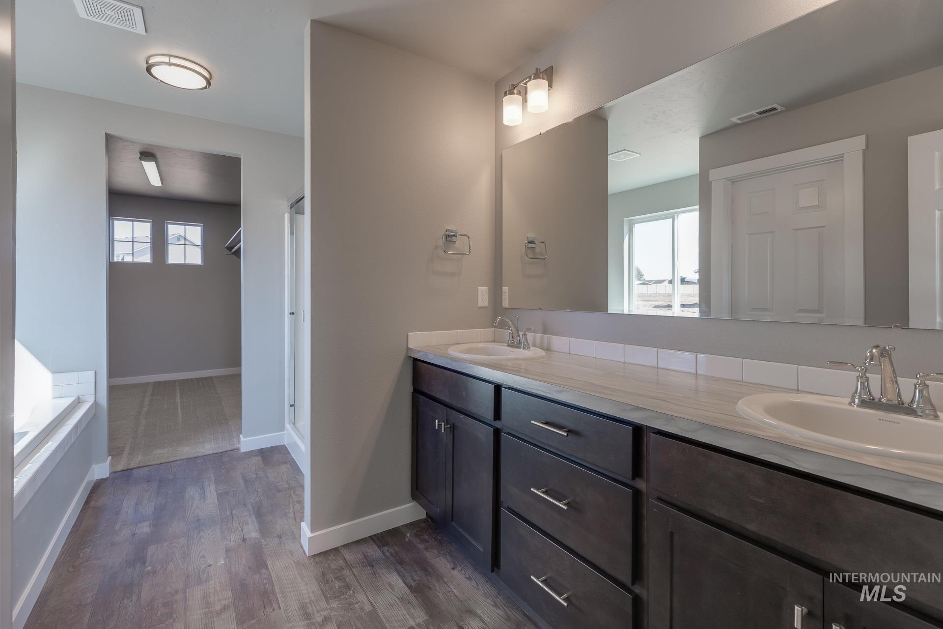 874 W Smallwood Ct Property Photo 17