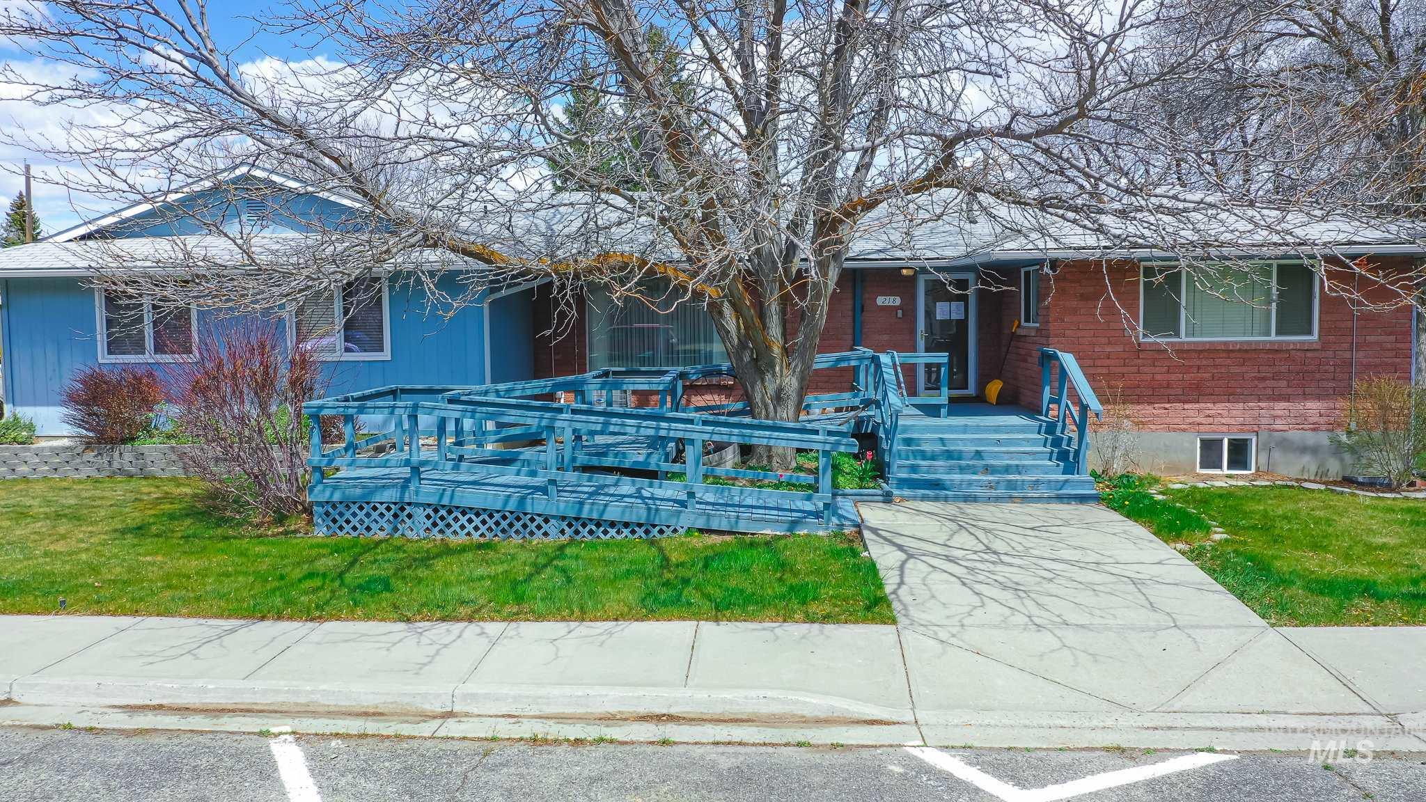 218 W B Property Photo
