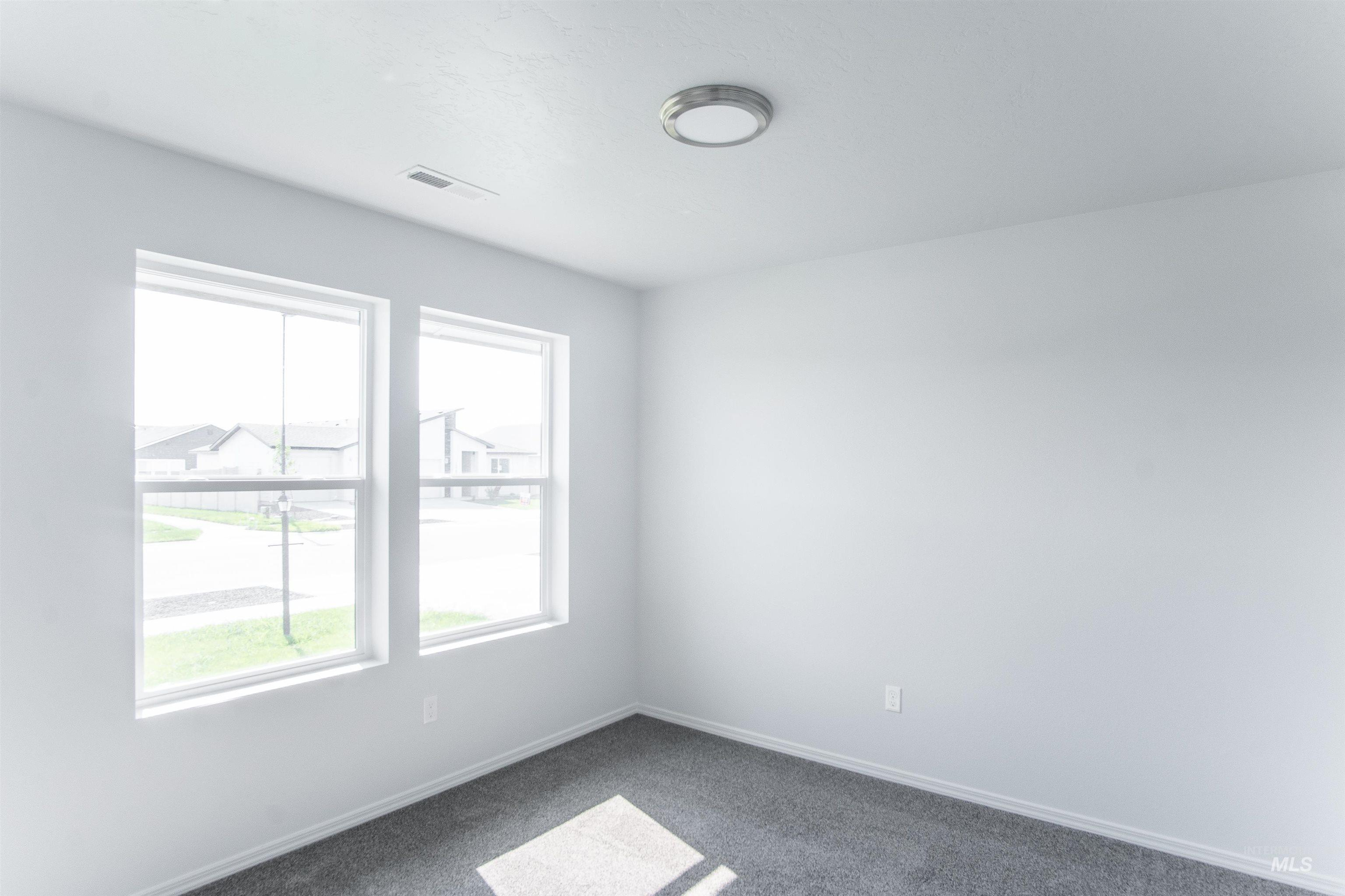 13189 S Coquille River Ave Property Photo 19