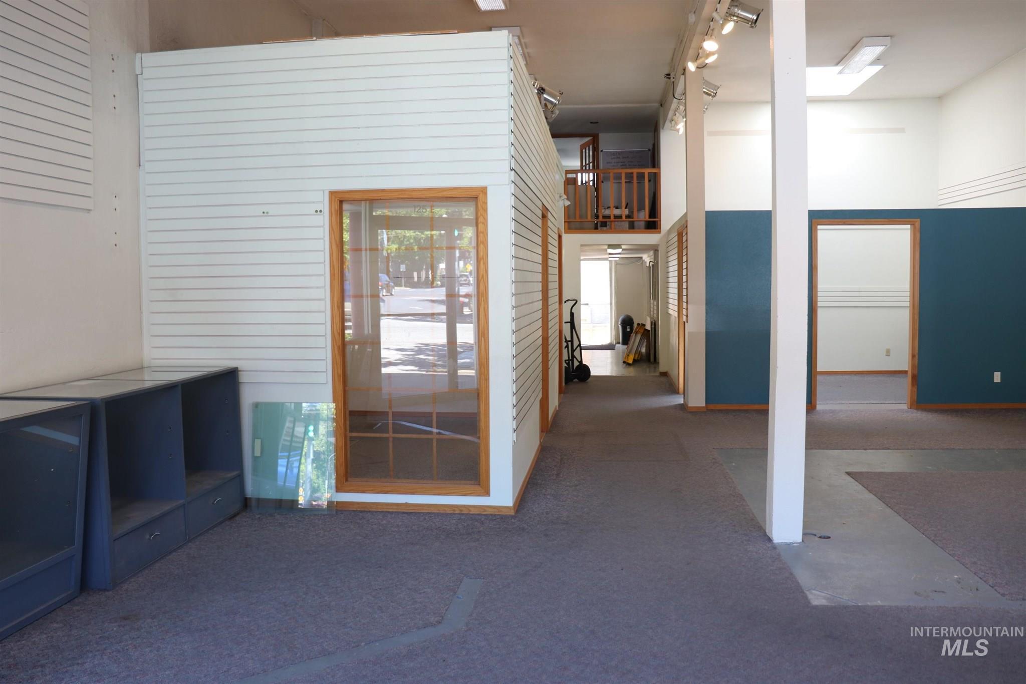 123/125 Third Property Photo 22