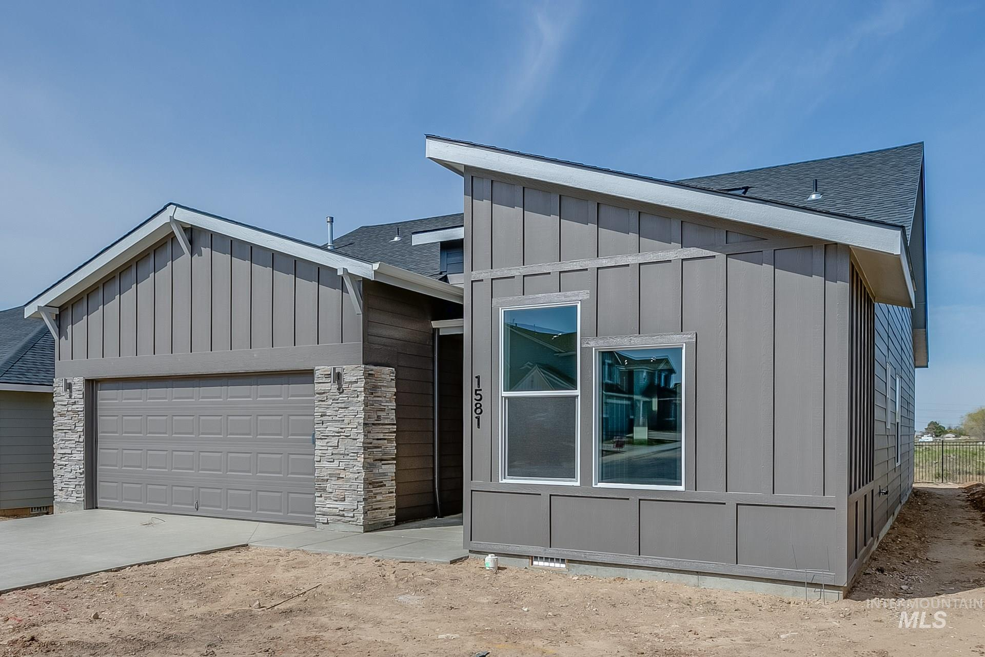 1581 N Thistle Dr Property Photo - Kuna, ID real estate listing