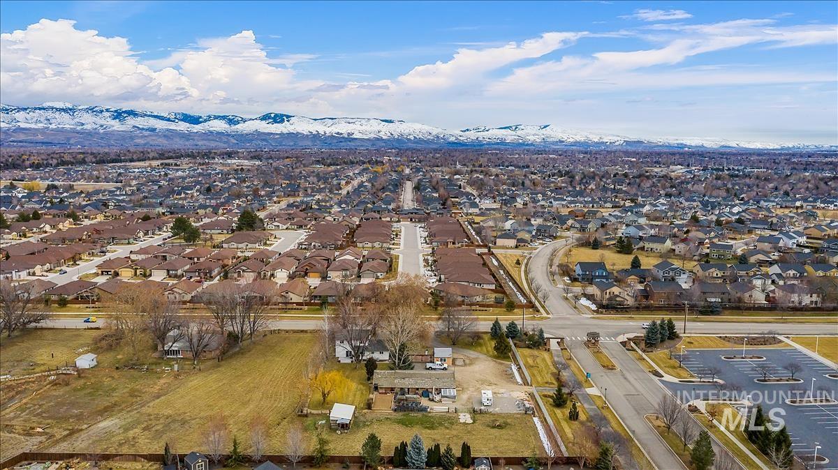 5665 N Meridian Property Photo