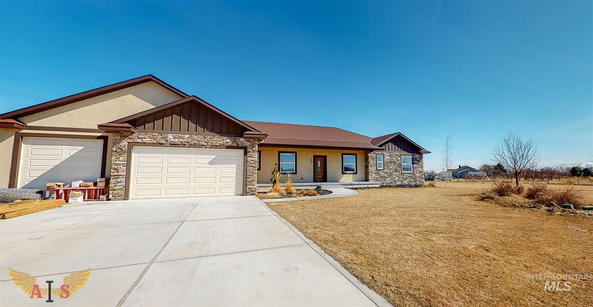 3396 Silvers Drive Property Photo - Murtaugh, ID real estate listing