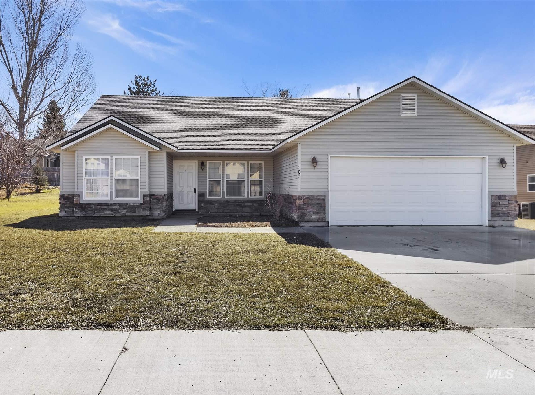 305 Teton Dr Property Photo 1