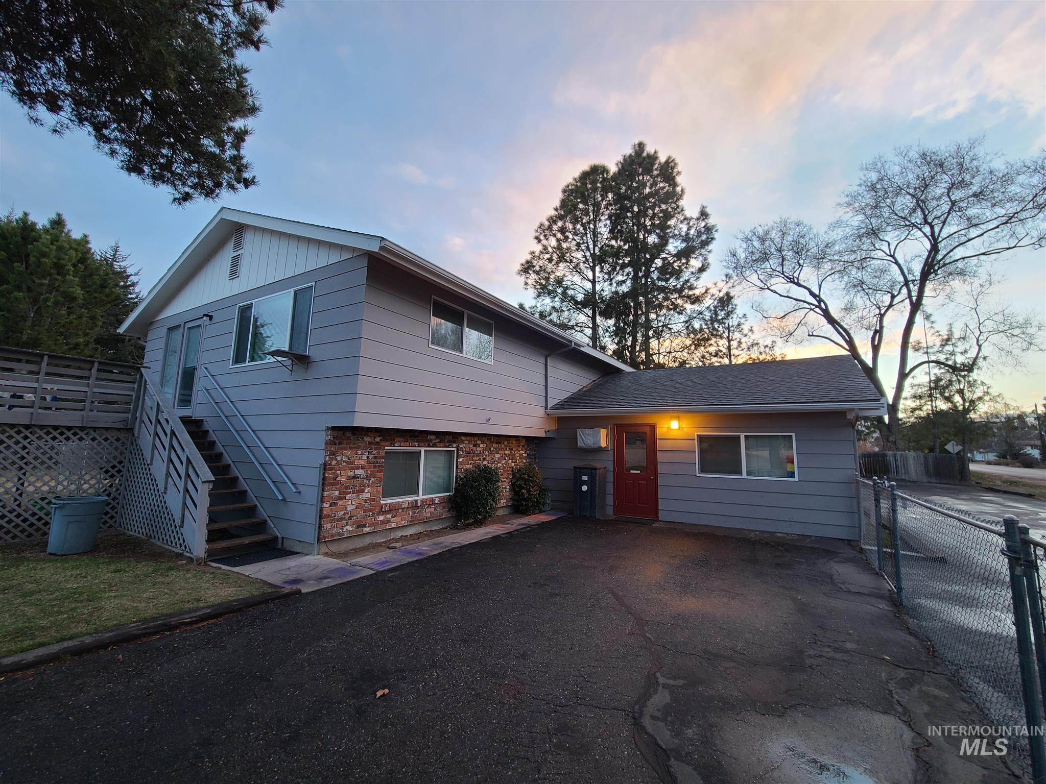 12255 W Goldenrod Ave Property Photo