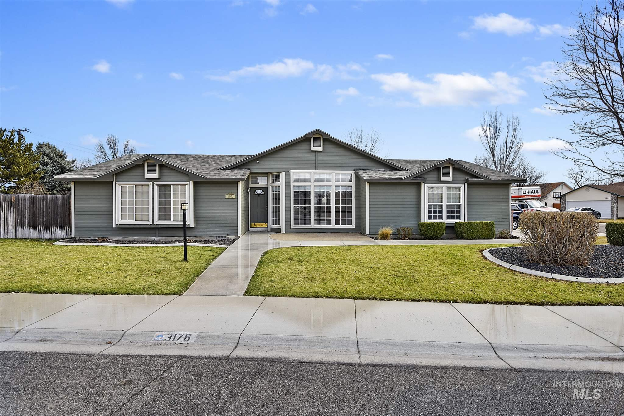 3176 N Yellow Peak Property Photo - Meridian, ID real estate listing