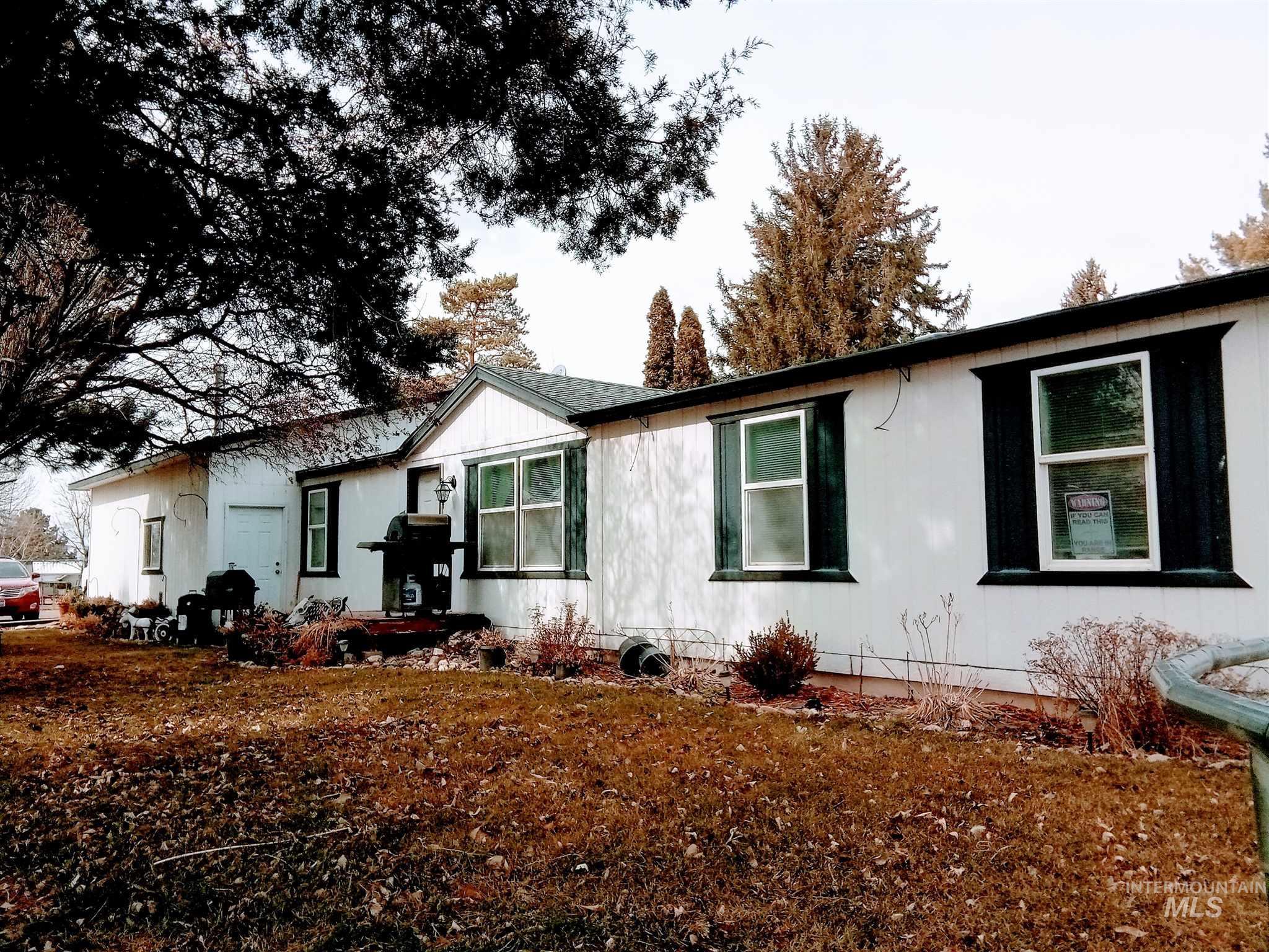 325 E Poplar Property Photo - Hansen, ID real estate listing