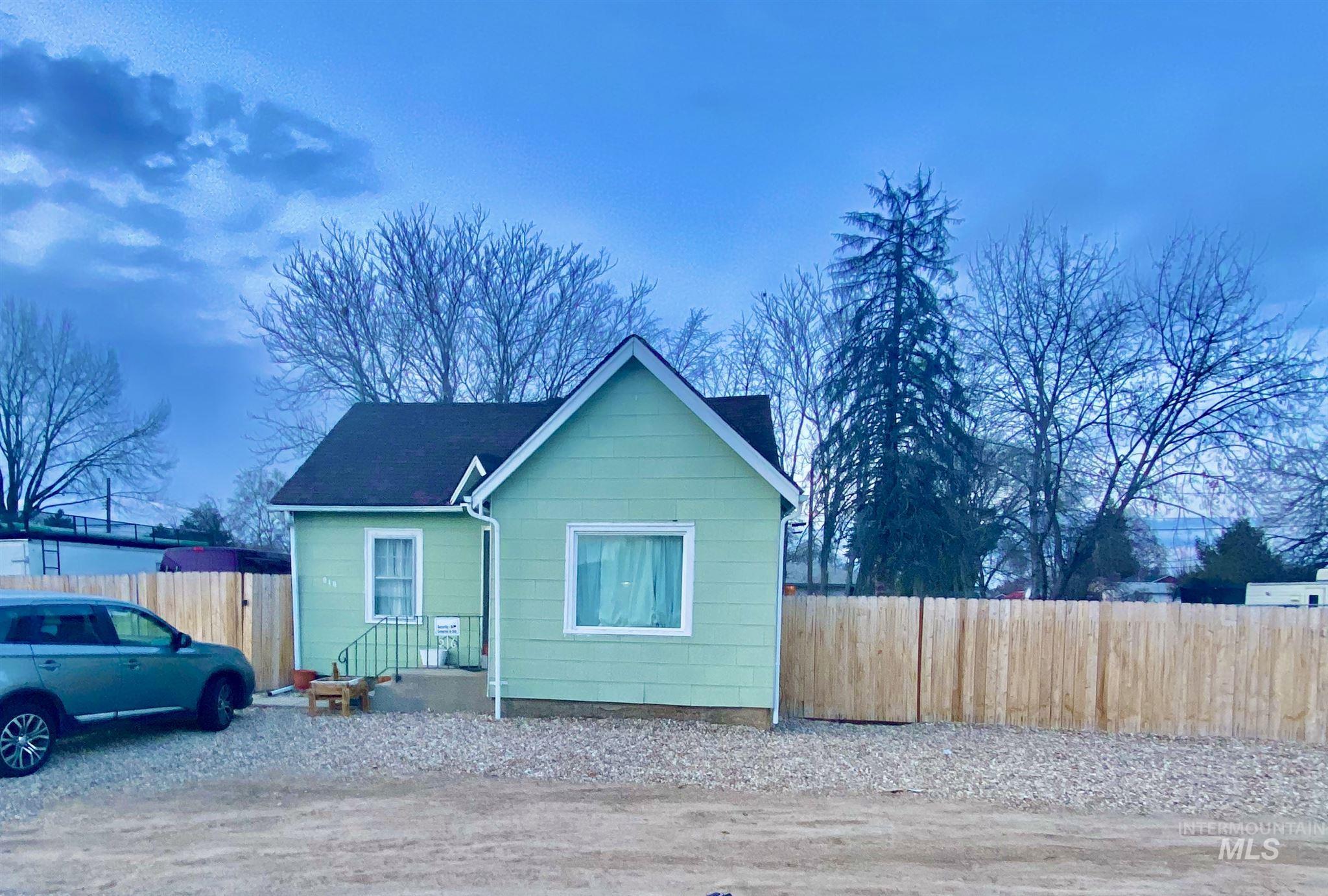 216 Davis Ave. Property Photo - Nampa, ID real estate listing