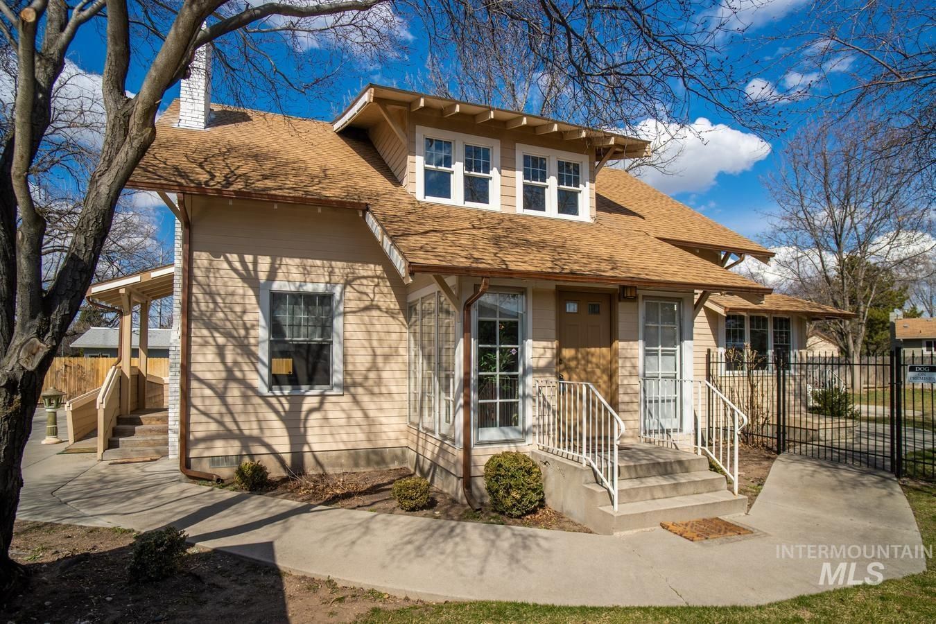 420 S Maple Grove Rd Property Photo - Boise, ID real estate listing